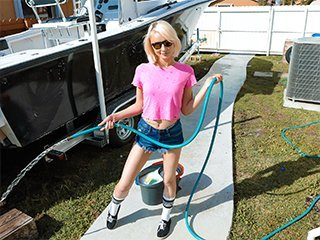 Alice Pink Big Boats, Small Hoes